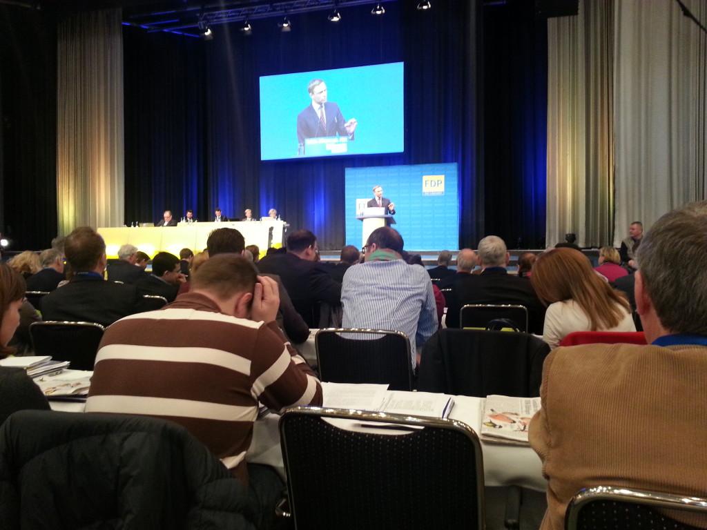 """Christian Lindner redet auf dem Parteitag zur Europalistenaufstellung der FDP im Januar 2014 - die ersten drei Kandidaten sind quasi """"gesetzt"""""""